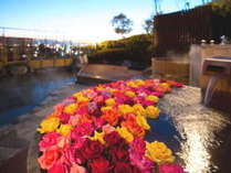 【屋上露天風呂】贅沢な薔薇一面の道後唯一天空露天風呂♪(女性桶風呂限定)