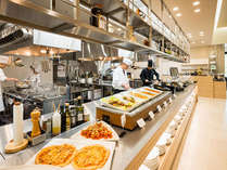 【ラ・キュイジーヌ・ジャポネーズ玻璃】料理人の技が見えるライブキッチン