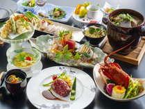 【6~8月特別会席イメージ】鮑やイセエビ、伊予牛などの高級食材を使用した、特別懐石料理。