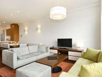 *3ベッドルームプレミアム室内一例/機能充実のリビングルーム。