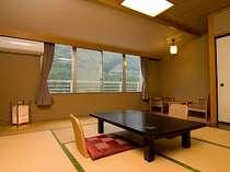 落ち着いた雰囲気の和室は大好評です。
