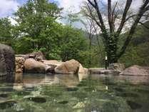 四季の絶景をお楽しみください、野天風呂「龍の湯」