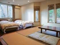 *[和洋室]シングルベッド2台の洋室に8畳の畳スペース付き