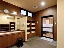 【人工温泉大浴場】男女別の大浴場です。ご利用時間⇒15:00~2:00、5:00~10:00