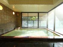 【大浴場 観月の湯】四季折々の風景を眺めながらゆったりと温泉につかる至福のひととき♪