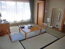 少し広めの6畳和室