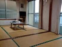 2階海側:和室(約10畳)