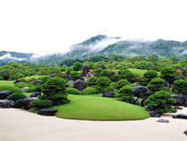 【足立美術館】「ミシュラン・グリーンガイド・ジャポン」で三ツ星を獲得した日本庭園のある美術館★★★