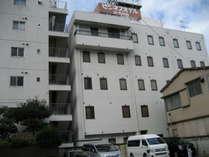 蒲田(JR東口)呑川沿いにあります。 5階建 60室
