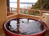 *貸切露天風呂「ときめきの湯」。夜には満点の星空を独り占め♪