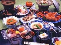 *料理長が工夫を凝らした彩鮮やかな「和会席」に舌鼓。(お夕食一例)