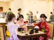 選ぶ楽しさも加わった「磯はなびのダイニング」は、会席料理以外に食べ放題料理もお楽しみいただけ大人気♪