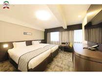 広さ28.3平米・105cm幅のセミダブルベッドを2台くっつけて設置しております。,大阪府,リッチモンドホテル東大阪