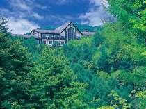 標高1300m松本安曇野を見下ろす絶景スポットにたたずむホテル