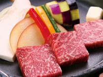霜降りがキレイな信州和牛のステーキです!(仕入れ状況によりカットや見た目が変わる場合がございます),長野県,高原のお宿 スカイランドきよみず