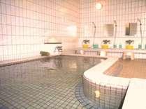 気持ちいい大浴場で心も身体もリラックス♪朝風呂もご利用いただけます。(写真は男性用)