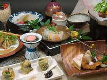 季節の会席料理(季節により料理内容が異なります。)