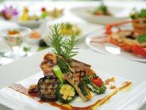 【ファインダイニング】県産食材や自家菜園の旬の野菜など、沖縄の豊かな恵みでもてなします。