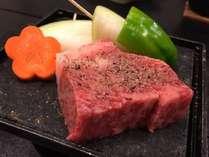 三重ブランド松阪牛を石焼きにてお召し上がりください