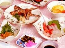 お食事は、海の幸にこだわった和倉ならではの味。ぜひご賞味下さい。