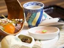 ご夕食は和洋懐石旬の食材を存分にお楽しみくださいませ 料理一例