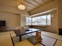 西館和洋室(5) 河口湖眺望和洋室 (6名様定員)畳8畳+ヘ゛ット゛2台