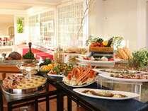 7日間の限定開催!!ズワイ蟹食べ放題と夏の味覚ファミリーディナーブッフェ+朝食付