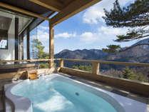 【温泉露天風呂付コテージ浴室】絶景を望みながら贅沢なひとときを・・・※専用コテージのみとなります