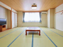 広々と足をのばしておくつろぎいただける和室のお部屋です♪