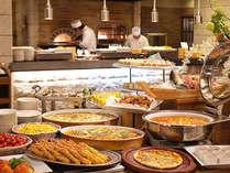 本格石窯で出来立てグリル料理が楽しめるブッフェ。