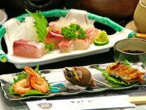 【ご夕食例】素材には人一倍拘りを持つ主人が、目と舌で確かめた厳選素材のみを使用した海鮮料理をどうぞ!