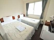 エコノミーツインルーム・・・スタンダードツインよりも小さめのお部屋ですが、その分リーズナブルです。