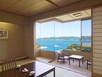 宮古湾を臨む海側客室一例