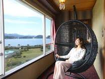 お部屋からは熊野の山海が望めます。