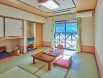【定番・一般和室】渓谷ビュー!見て・食べて、日本一の清流を五感で感じよう