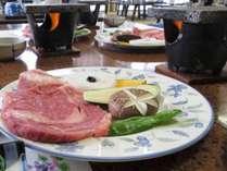 【グレードアップ】富士山の溶岩プレートで甲州牛贅沢ステーキ!山梨の恵みを堪能♪【1泊2食付き】