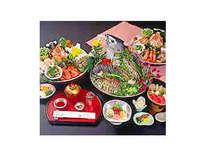 土佐の郷土料理皿鉢「黒潮皿鉢」※写真/鰹のたたき姿づくりは10~15名様用。組物は4名様用。