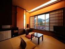 【ハイカラルーム・ツイン】窓からは雲仙の大自然をご覧いただけます。