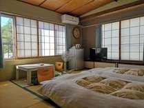 たたみでくつろぐ和室8畳(2階ななかまど)