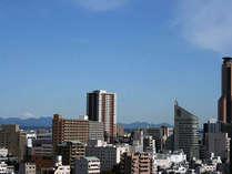 ■客室からの眺望:晴れた空気の澄んだ日には、富士山をご覧いただけるお部屋もございます。