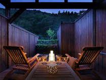 【湯上りテラス】五百川の渓谷沿いの湯あがりテラス!(2014年5月リニューアルOPEN)