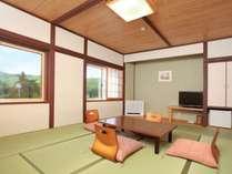 【もみじ館】和室8畳白樺湖側で見晴らしの良いお部屋ですバストイレが付いておりません