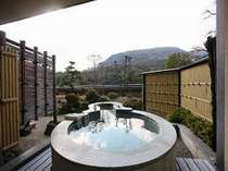 【飛天館】露天風呂付客室(露天風呂一例)