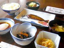 *朝食一例/和定食をご用意。魚の甘露煮など、栄養満点のお食事で、1日のエネルギーをチャージ。,長野県,北野天満温泉学問の湯