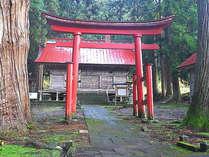 *北野天満宮/当館より徒歩約10分。栄村植物園を抜け、学問の橋を渡っていきます。,長野県,北野天満温泉学問の湯