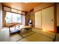別館和室7.5畳/畳の香りがほのかに薫る和室でゆったりとした時間をお過ごしください。