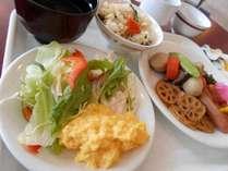 手作り朝食は無料提供♪2