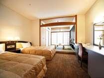 ■緑風館和洋室 和室4.5畳がついて34平米。緑風館の最上階 明石海峡海側です