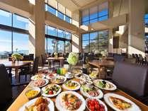 ■吹き抜けのレストランでバイキング♪好きなものお好きなだけお召し上がりいただけます。
