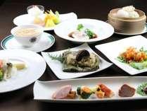 ■中国料理【壺中天】特選コース料理。明石海峡の絶景をお楽しみいただけます。